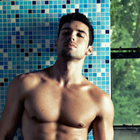 William Nunes: sensualidad juvenil