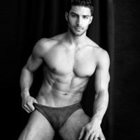 Adam Ayash: Caliente