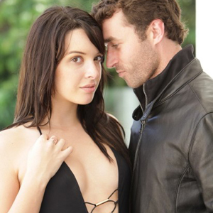 James Deen y Natalie Heart en la piscina